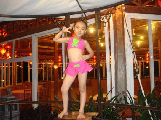 超级泳装秀 - 儿童模特 - 中国童装网