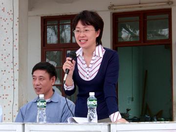 汕头电视台著名主持人吴小英讲话-安哥玛丽丝07年爱心系列活动之一
