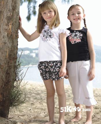 中国童星小孩全身可爱照片