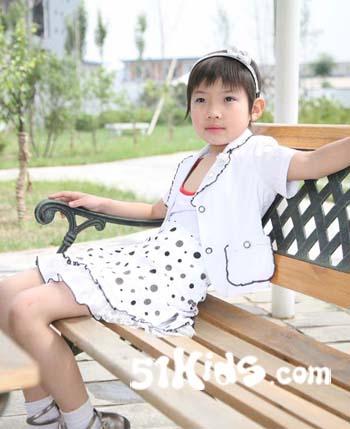 """""""罗蒂诺"""",浪漫儿童里服装,蕴含欧式时尚风格,让每个小朋友都成为小p"""