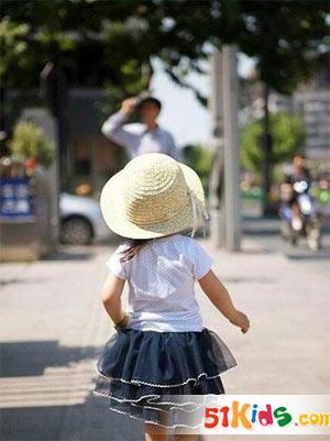 草帽蛋糕裙 夏日女童必备时尚元素_服装设计 - 中国网