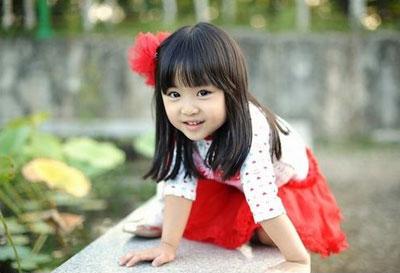 韩国小童星的服装搭配_中国童装网