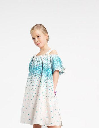 几款儿童服装搭配 穿出时尚漂亮女孩