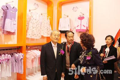 中国服装协会会长杜钰洲先生