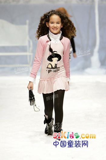网站首页 童装新闻 童装设计 粉红巴黎风格——2011/12秋冬女童装流行